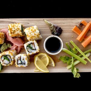 Sushi capeado de salmón